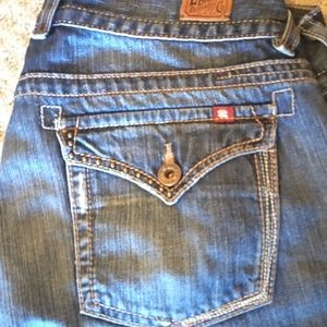 **SUPER CUTE LUCKY BRAND RIVETED JEANS**